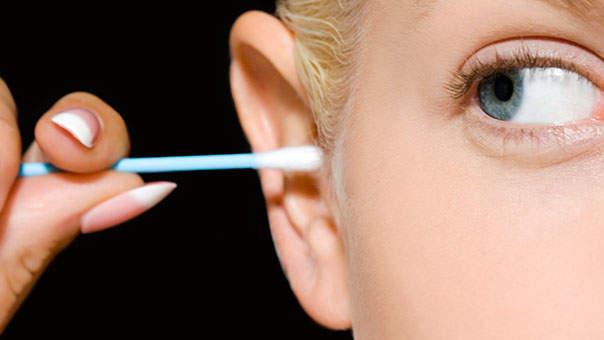 इन तरीकों से निकालें कान की मैल, नहीं हो सकती है बड़ी परेशानी