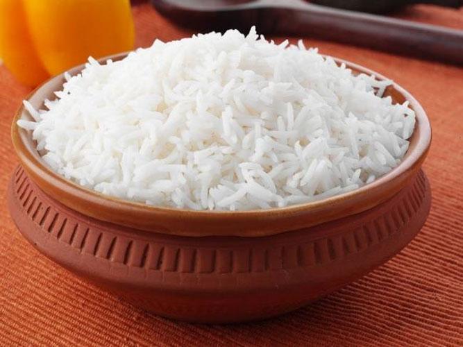 बासी चावल नहीं खाते तो आज खाना शुरू कर दें, जाने इसके अद्भुत फायदे