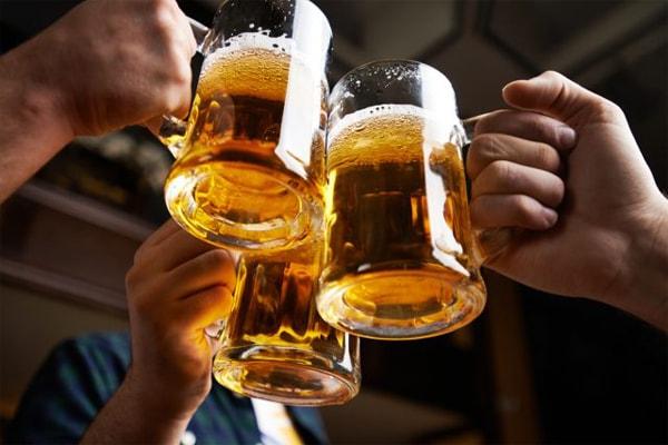 बियर के नुकसान सभी जानते हैं लेकिन इसके ये चमत्कारी फायदे कम लोग ही जानते हैं जाने जरूर